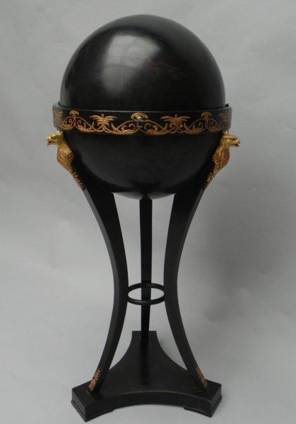 wiener empire globusn htischchen m bel antiquit ten galerie ustar. Black Bedroom Furniture Sets. Home Design Ideas